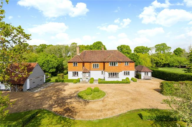 Guide Price £1,650,000, 5 Bedroom Detached House For Sale in Godalming, Surrey, GU8