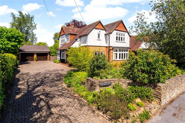 Asking Price £1,450,000, 5 Bedroom Detached House For Sale in Surrey, GU7