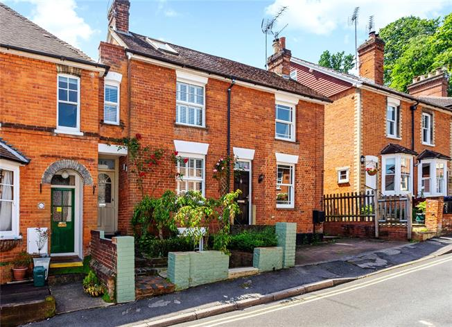 Guide Price £500,000, 2 Bedroom Terraced House For Sale in Godalming, GU7