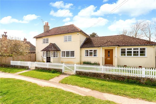 Asking Price £875,000, 4 Bedroom Detached House For Sale in Godalming, Surrey, GU8
