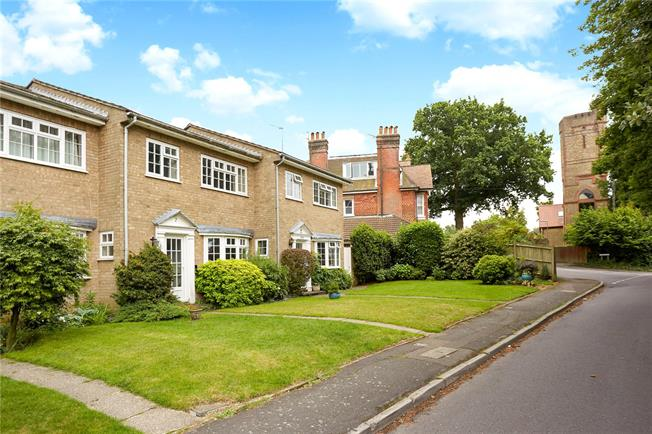 Guide Price £460,000, 3 Bedroom Terraced House For Sale in Godalming, GU7