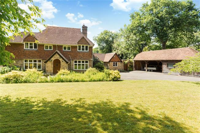 Guide Price £1,000,000, 3 Bedroom Detached House For Sale in Shackleford, GU8