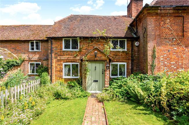 Guide Price £675,000, 3 Bedroom Terraced House For Sale in Shackleford, GU8