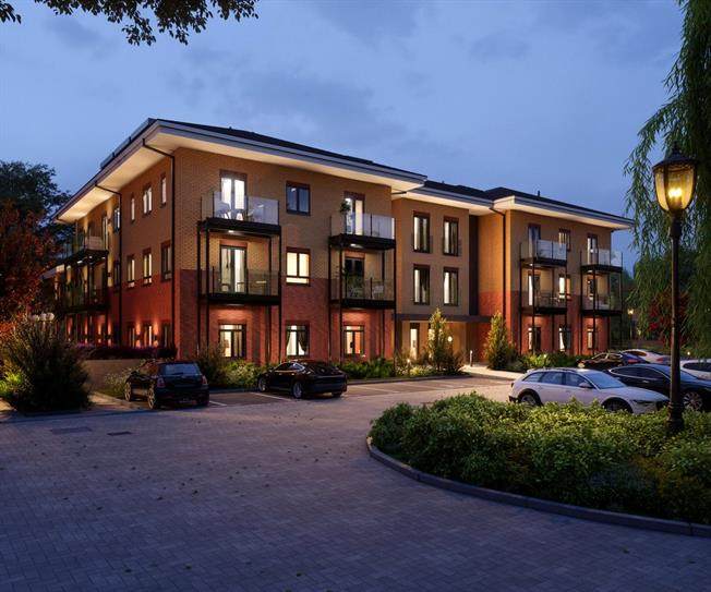 Asking Price £225,000, 1 Bedroom Flat For Sale in Godalming, Surrey, GU7