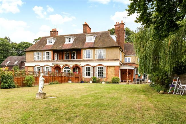Guide Price £1,275,000, 6 Bedroom Town House For Sale in Puttenham, GU3