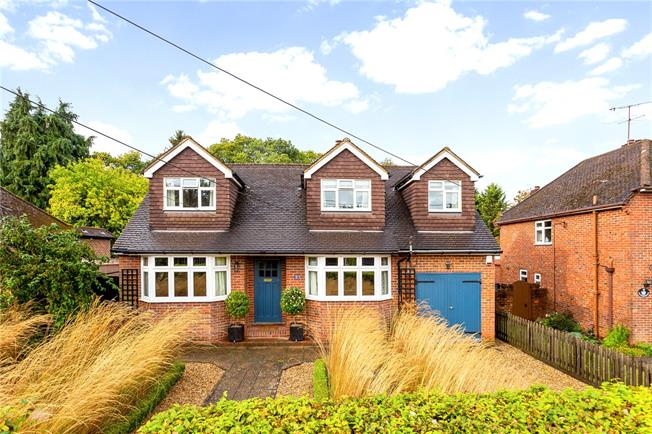 Asking Price £750,000, 3 Bedroom Detached House For Sale in Witley, GU8