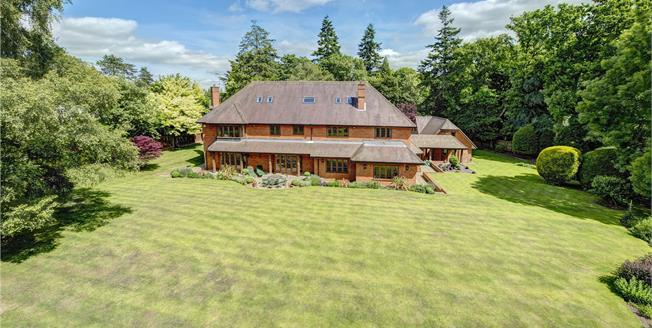 Guide Price £2,750,000, 6 Bedroom Detached House For Sale in Buckinghamshire, HP16