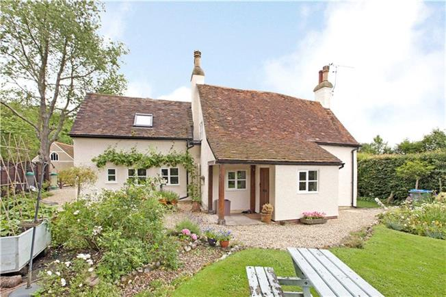 Guide Price £655,000, 3 Bedroom Detached House For Sale in Dunsmore, HP22