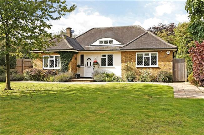Guide Price £695,000, 4 Bedroom Detached House For Sale in Great Missenden, Buckingh, HP16