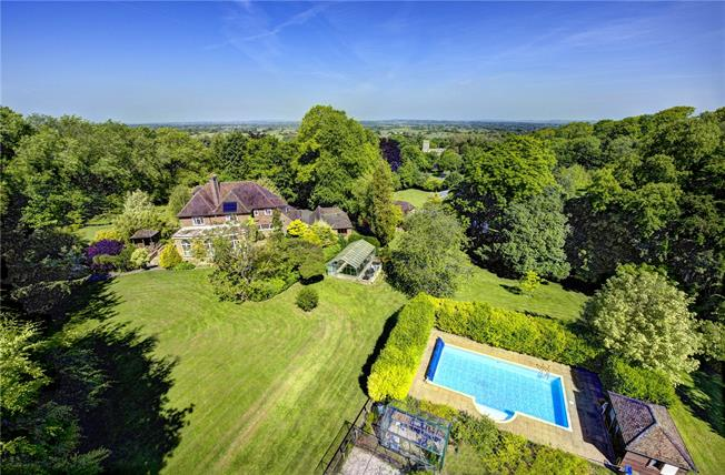 Guide Price £1,725,000, 5 Bedroom Detached House For Sale in Aylesbury, Buckinghamshir, HP17
