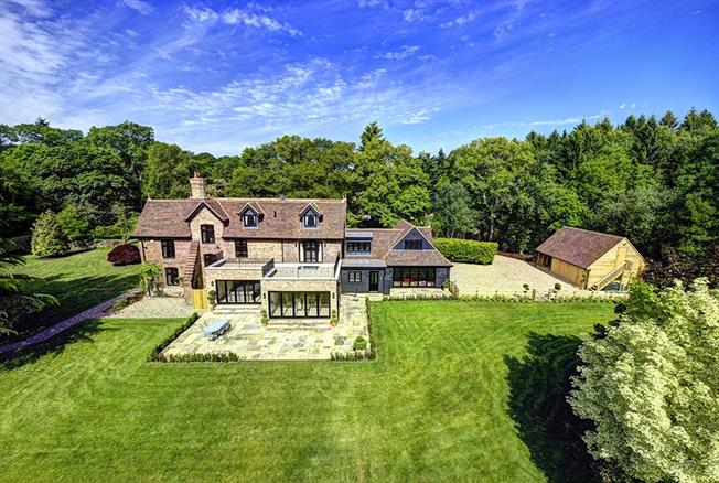Guide Price £3,000,000, 6 Bedroom Detached House For Sale in Buckinghamshire, HP16