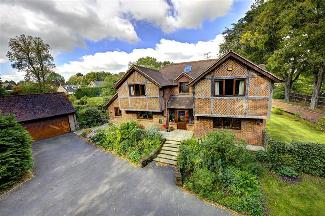 Guide Price £1,200,000, 4 Bedroom Detached House For Sale in Buckinghamshire, HP16