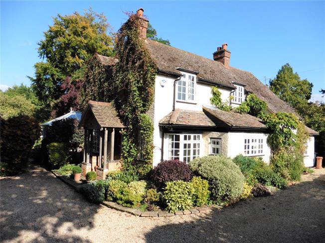 Offers in excess of £899,950, 4 Bedroom Detached House For Sale in Butlers Cross, HP17