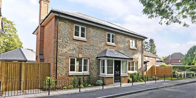 Guide Price £799,950, 4 Bedroom Detached House For Sale in Little Kingshill, HP16