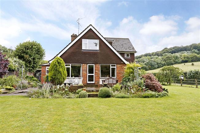 Guide Price £650,000, 4 Bedroom Detached House For Sale in Prestwood, HP16