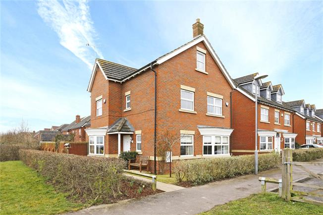 Guide Price £575,000, 6 Bedroom Detached House For Sale in Weston Turville, HP22