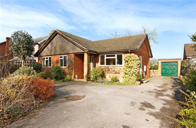 Guide Price £650,000, 3 Bedroom Bungalow For Sale in Great Missenden, Buckingh, HP16