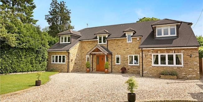 Guide Price £1,150,000, 4 Bedroom Detached House For Sale in South Heath, HP16