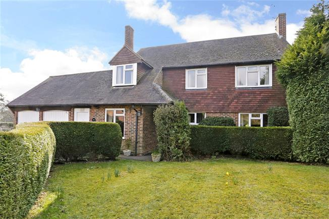 Guide Price £750,000, 4 Bedroom Detached House For Sale in Speen, HP27