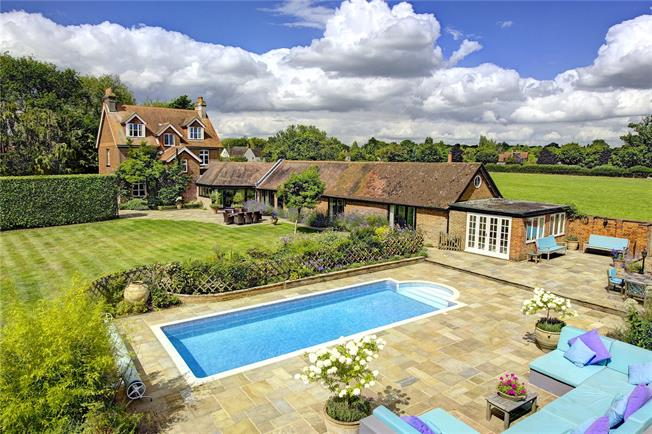 Guide Price £1,750,000, 6 Bedroom Detached House For Sale in Lee Common, HP16