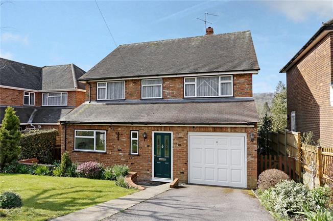 Guide Price £625,000, 4 Bedroom Detached House For Sale in Hughenden Valley, HP14