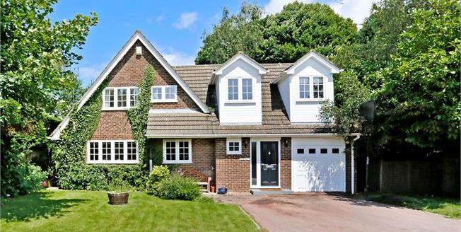 Guide Price £650,000, 4 Bedroom Detached House For Sale in Hughenden Valley, HP14