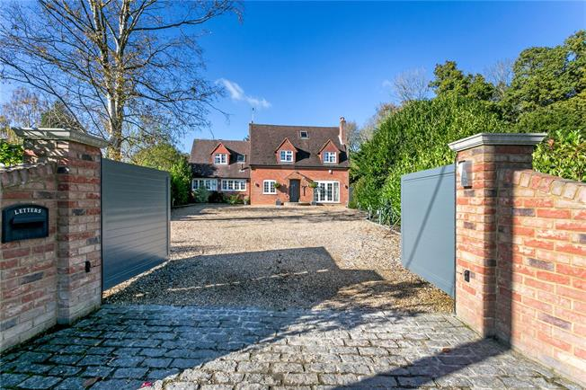 Offers in excess of £999,950, 4 Bedroom Detached House For Sale in Horsleys Green, HP14
