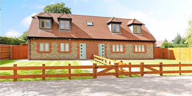 Guide Price £699,950, 3 Bedroom Semi Detached House For Sale in Great Missenden, Buckingh, HP16