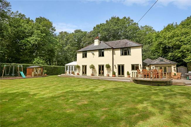 Guide Price £895,000, 4 Bedroom Detached House For Sale in High Wycombe, Buckinghams, HP14