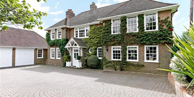Guide Price £1,395,000, 5 Bedroom Detached House For Sale in Buckinghamshire, HP16
