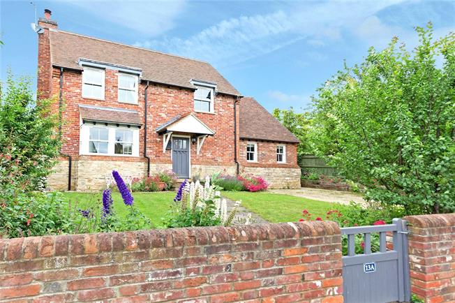 Guide Price £565,000, 4 Bedroom Detached House For Sale in Quainton, HP22