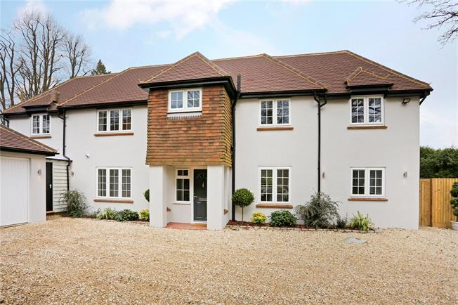Offers in excess of £1,100,000, 4 Bedroom Detached House For Sale in Great Missenden, Buckingh, HP16