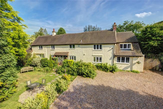 Offers in excess of £795,000, 4 Bedroom Detached House For Sale in Great Missenden, Buckingh, HP16