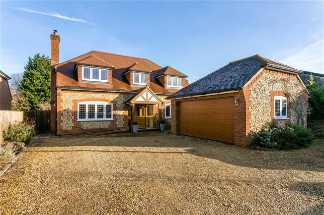 Guide Price £999,950, 4 Bedroom Detached House For Sale in Great Missenden, Buckingh, HP16
