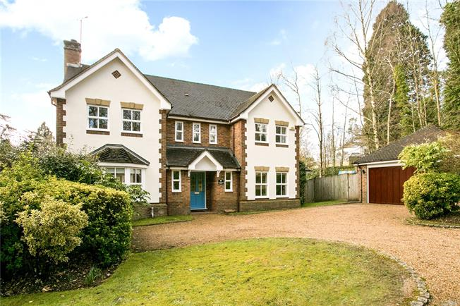 Guide Price £1,100,000, 5 Bedroom Detached House For Sale in Buckinghamshire, HP16