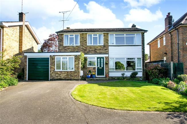Guide Price £699,950, 4 Bedroom Detached House For Sale in Great Kingshill, HP15