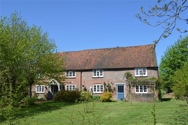 Asking Price £995,000, 5 Bedroom Detached House For Sale in Buckinghamshire, HP16