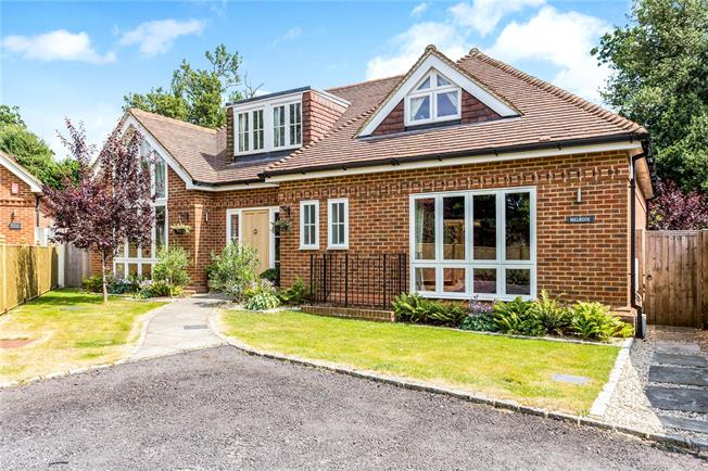 Offers in excess of £1,100,000, 5 Bedroom Detached House For Sale in Great Missenden, Buckingh, HP16
