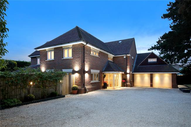 Guide Price £1,300,000, 5 Bedroom Detached House For Sale in Oxfordshire, OX39