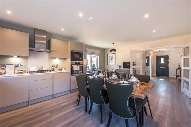 Asking Price £630,000, 4 Bedroom Detached House For Sale in High Wycombe, Buckinghams, HP14