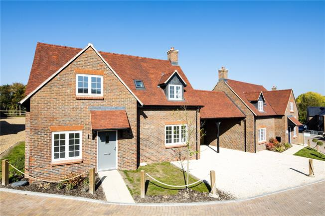 Asking Price £625,000, 4 Bedroom Detached House For Sale in High Wycombe, Buckinghams, HP14