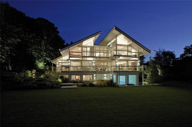 Guide Price £3,600,000, 6 Bedroom Detached House For Sale in Great Missenden, Buckingh, HP16
