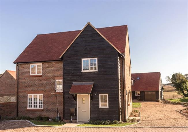 Asking Price £589,950, 3 Bedroom Detached House For Sale in High Wycombe, Buckinghams, HP14