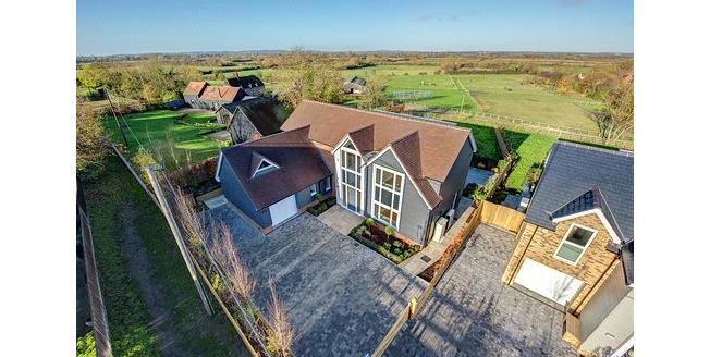 Asking Price £1,195,000, 4 Bedroom Detached House For Sale in Buckinghamshire, HP18