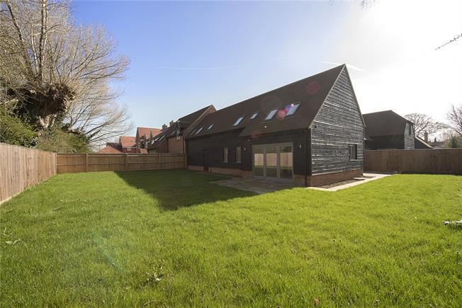 Asking Price £735,000, 4 Bedroom House For Sale in Aylesbury, HP22
