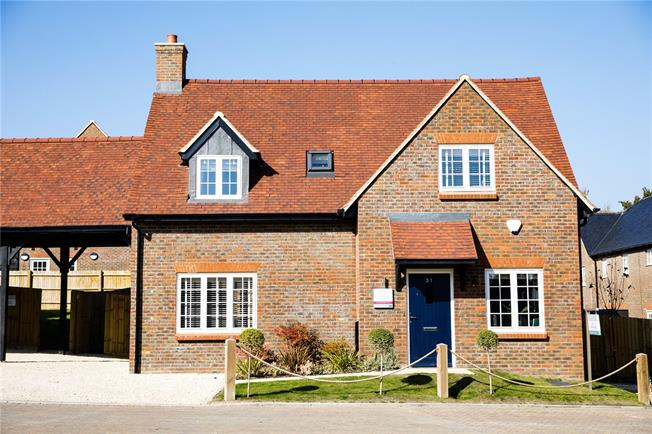 Asking Price £659,995, 4 Bedroom Detached House For Sale in High Wycombe, Buckinghams, HP14