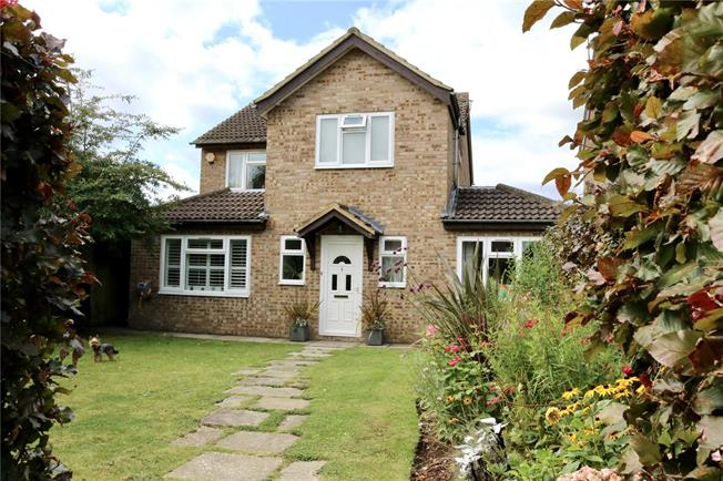 Guide Price £565,000, 4 Bedroom Detached House For Sale in Prestwood, HP16