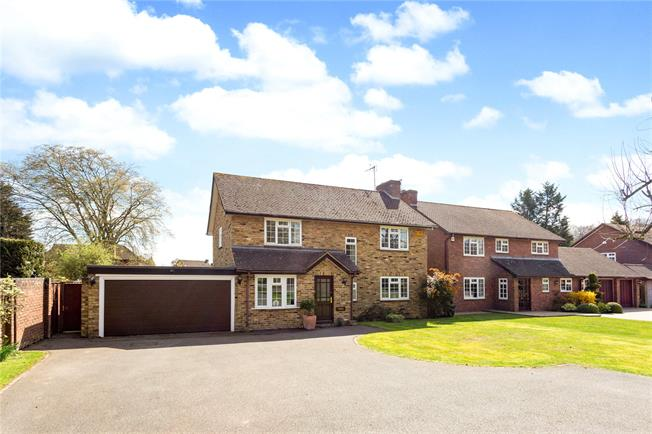 Guide Price £825,000, 4 Bedroom Detached House For Sale in Prestwood, HP16
