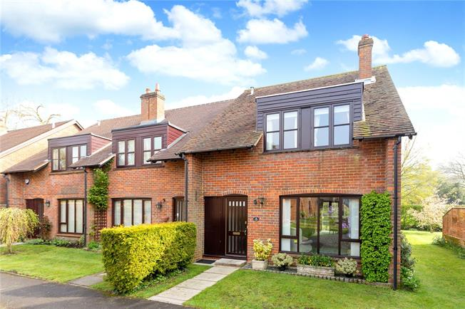 Guide Price £525,000, 3 Bedroom Terraced House For Sale in Great Missenden, HP16