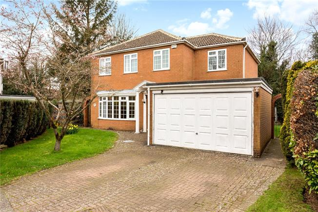 Guide Price £739,950, 4 Bedroom Detached House For Sale in Great Missenden, Buckingh, HP16
